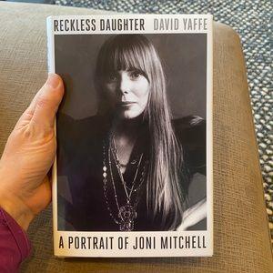 A portrait or Joni Mitchell